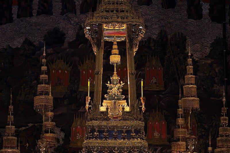 800px Summer   Emerald Buddha