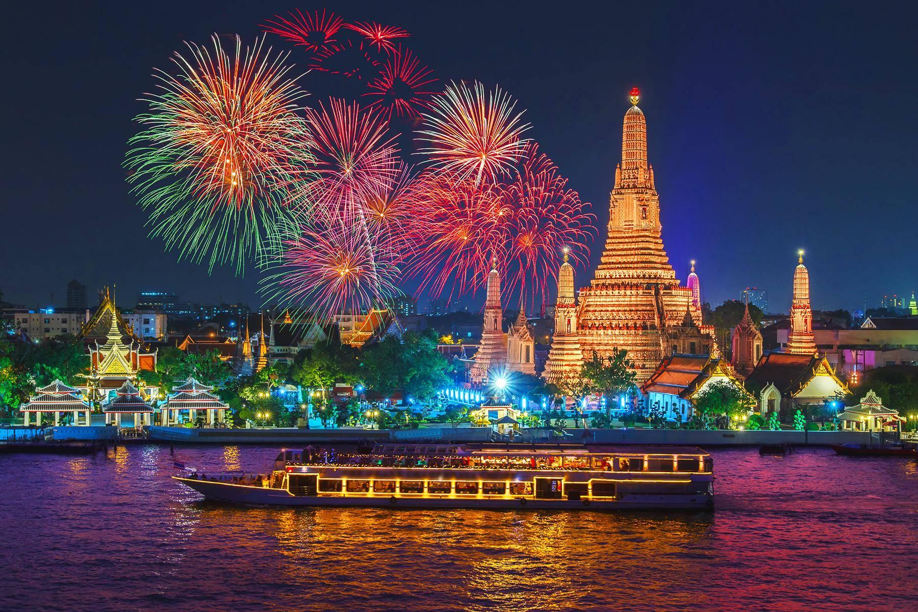 14 WheretoSpendNYE  Bangkok Shutterstock 523768189
