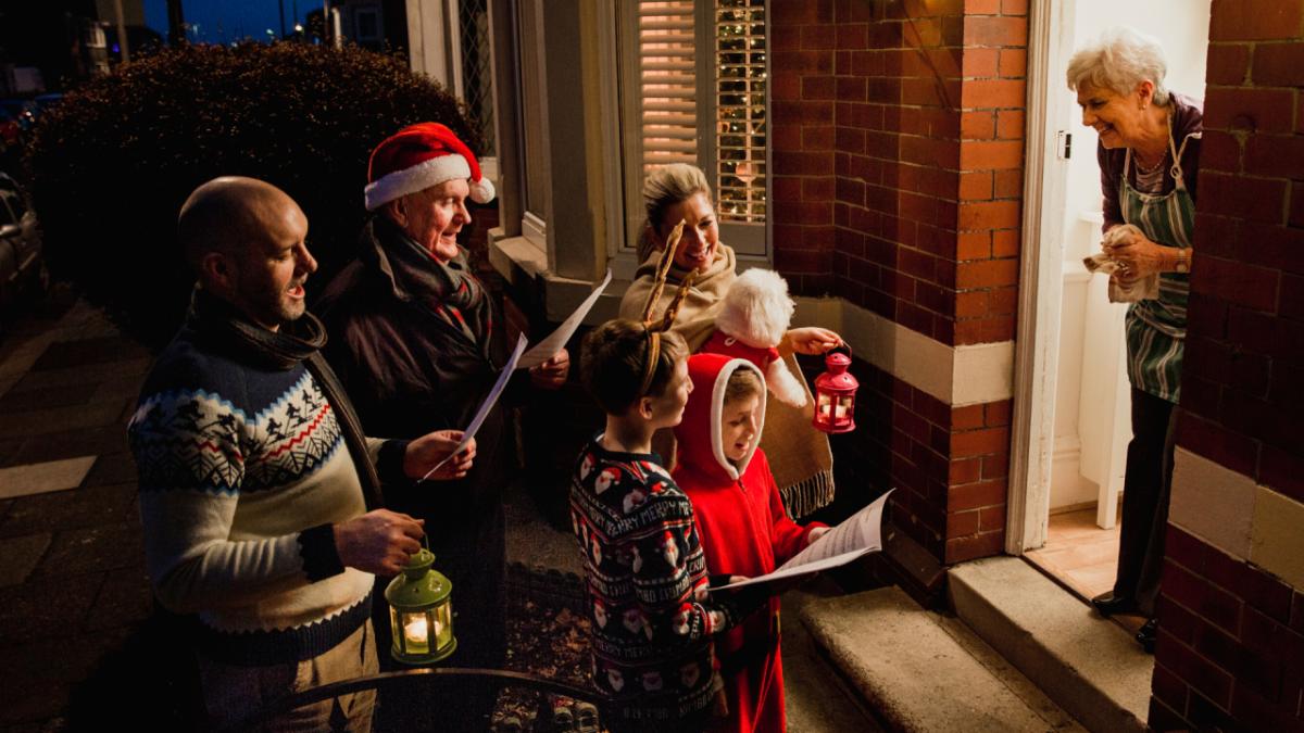 เคาะประตูร้องเพลงเฉลิมฉลองวันคริสต์มาส