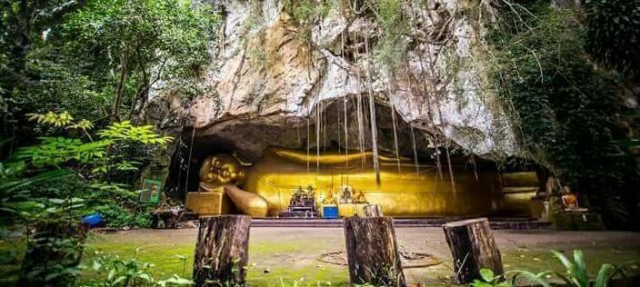 พระพุทธรูปปางไสยาสน์ ที่ วัดถ้ำทองพรรณนา วัดนครศรีธรรมราช